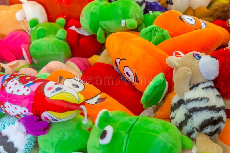 Dispersión de juguetes suaves imagen de archivo