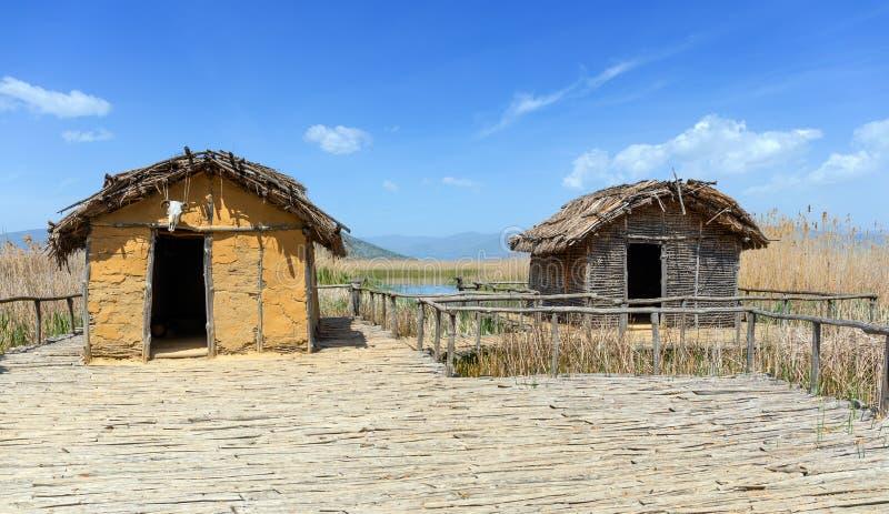 Dispilio的湖岸新石器时代的解决在湖Orestiada,卡斯托里亚,希腊的 库存照片