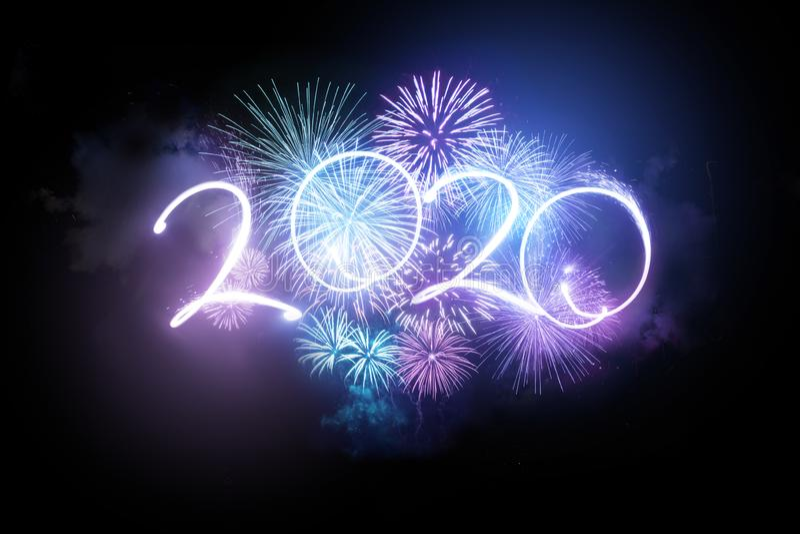 Display Fireworks per il nuovo anno 2020 fotografie stock