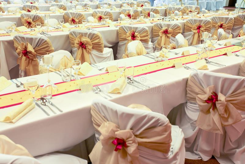 Disposé épousant des tables photo stock