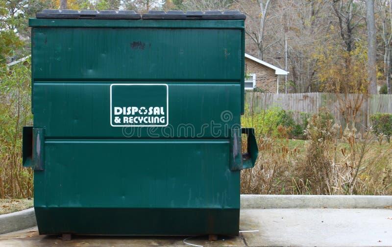 Disposición y contenedor del reciclaje imagen de archivo