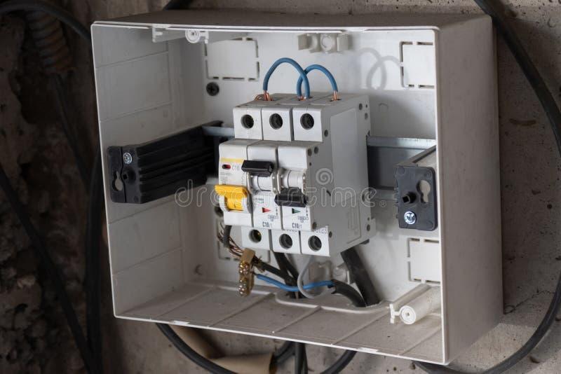 Dispositif d'arrêt protecteur Boîte de distribution d'énergie photographie stock libre de droits