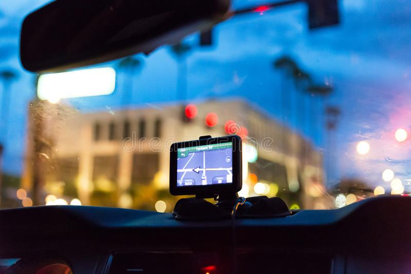 Dispositif de GPS dans un système de navigation satellite de voiture image libre de droits