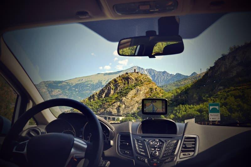 Dispositif de GPS dans une voiture, système de navigation satellite image stock