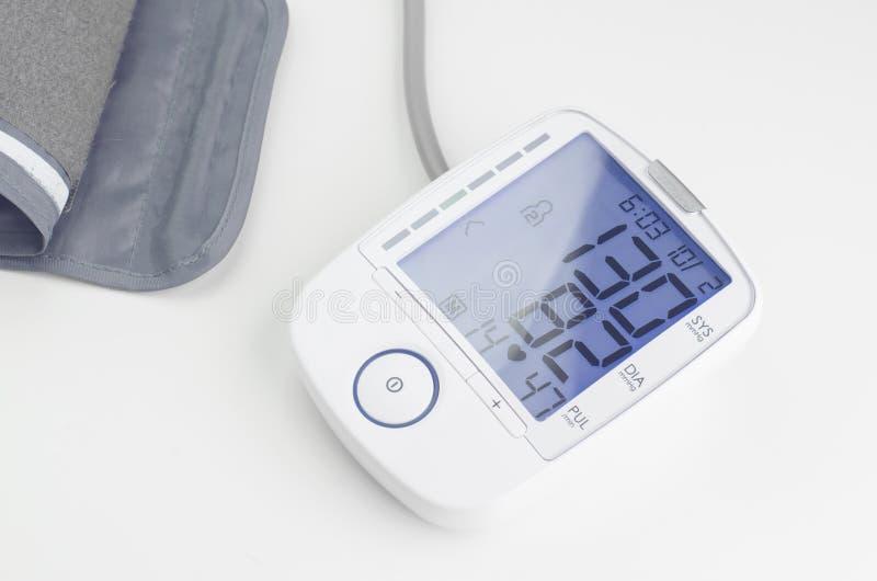 Dispositif de mesure de tension artérielle images stock