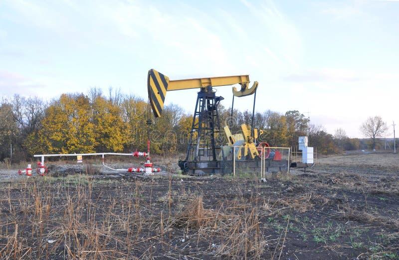 Dispositif de pompage d'huile Région de Krasnodar Russie photographie stock