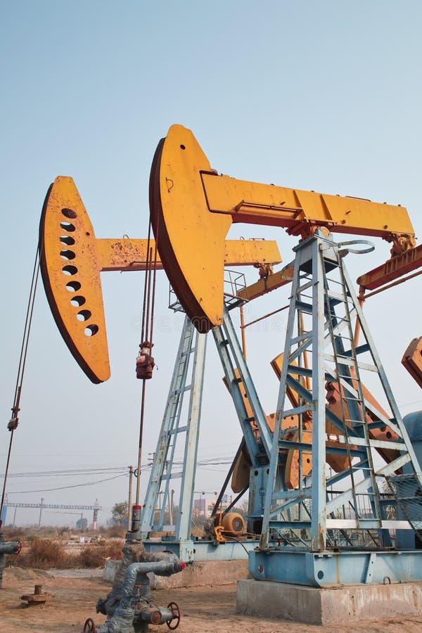 Dispositif de pompage de pétrole images libres de droits