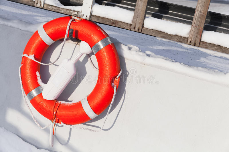 Dispositif de protection de bateau, bouée de sauvetage orange photo libre de droits
