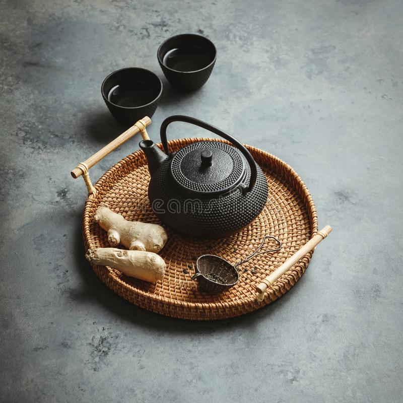 Disposition asiatique traditionnelle de cérémonie de thé, vue supérieure images stock