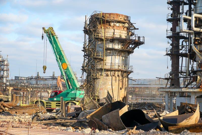 Disposition de l'installation technologique pour la fabrication des produits pétroliers légers à une raffinerie en Russie image stock