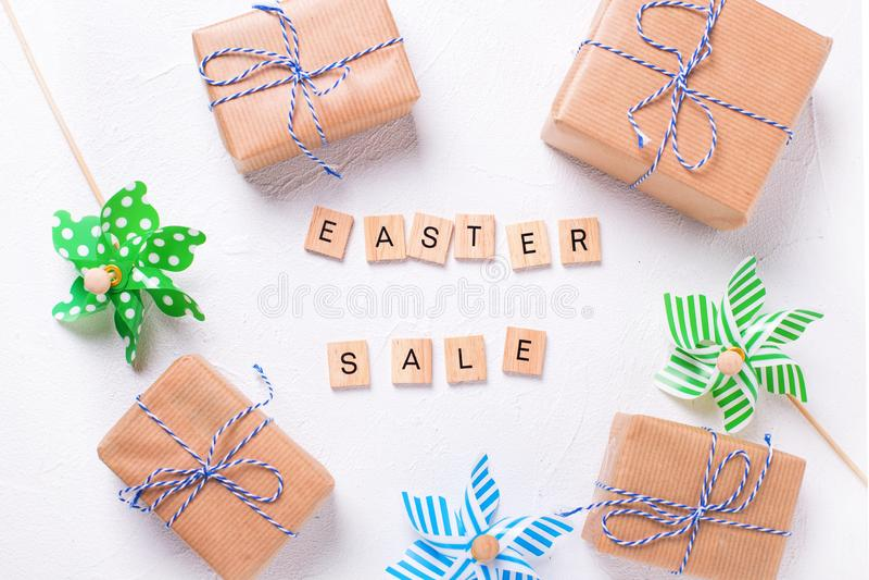 Disposition de vente de Pâques images libres de droits
