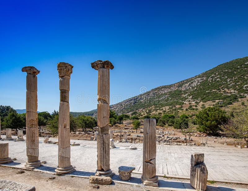 Dispositions colomnaires dans Ephesus images stock