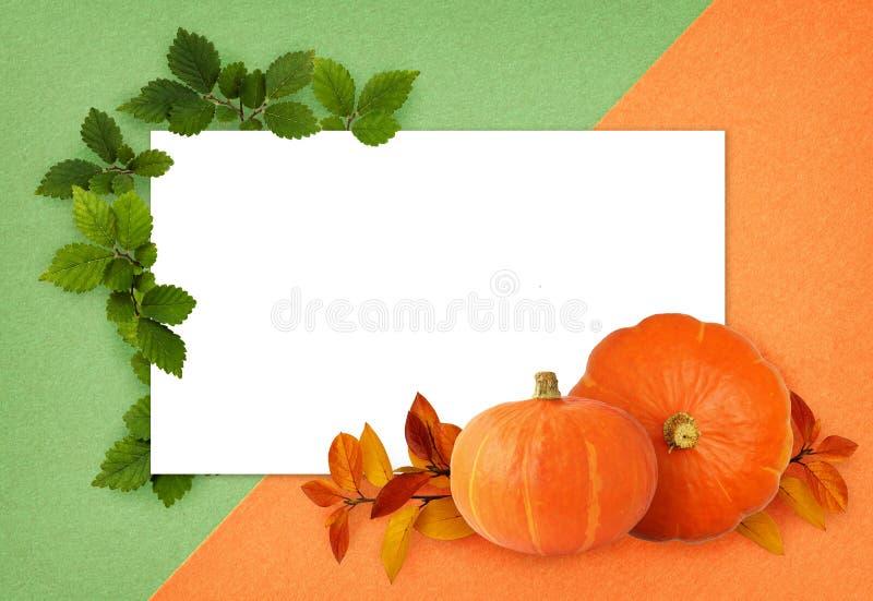Dispositions vertes et oranges d'automne et d'été et une carte images stock