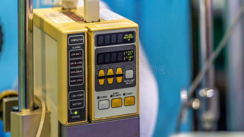 Dispositivo de carga de la emergencia de los primeros auxilios del hospital imagen de archivo libre de regalías