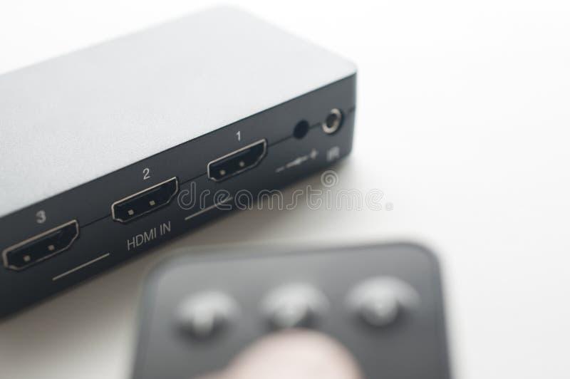 Dispositivo de HDMI com controlo a distância fotos de stock