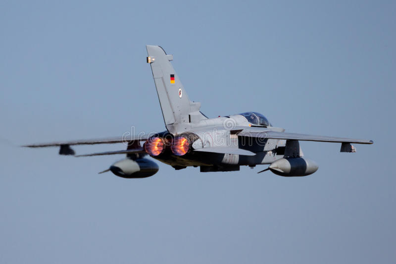 Dispositivo de pós-combustão militar do plano de avião de combate imagem de stock royalty free