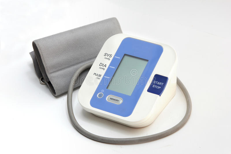Controllo Di Pressione Sanguigna Sul Monitoraggio Di Cuore..