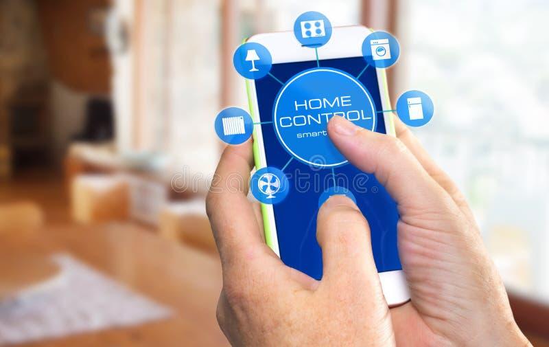 Dispositivo home esperto - controle home fotografia de stock royalty free