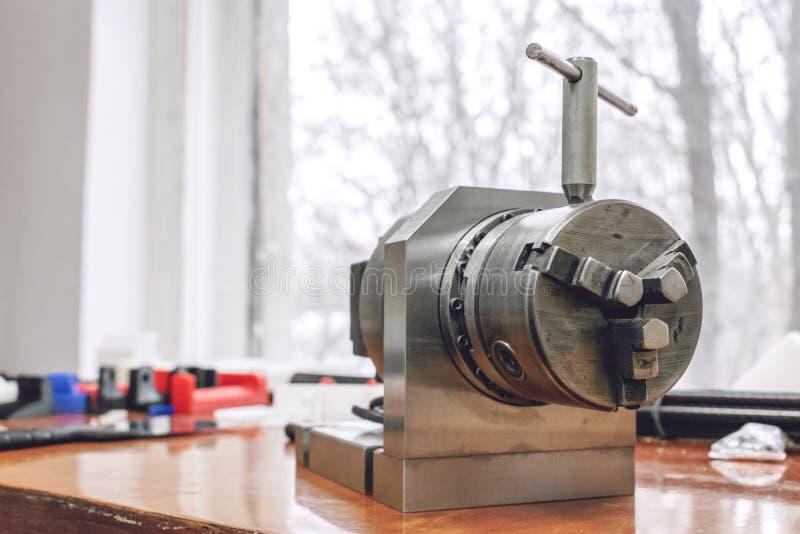 Dispositivo manuale del fuso Mandrino di giro per l'industriale di fabbricazione del pezzo di precisione, attrezzatura di alta pr fotografia stock libera da diritti