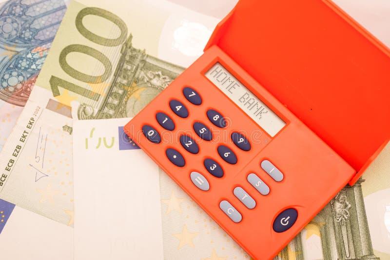 Dispositivo simbólico para las actividades bancarias en línea imagen de archivo