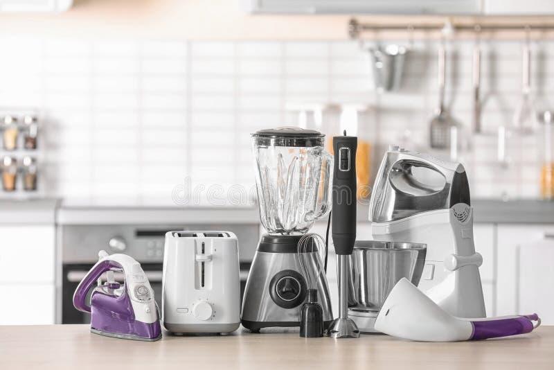 Dispositivos del hogar y de cocina fotografía de archivo libre de regalías