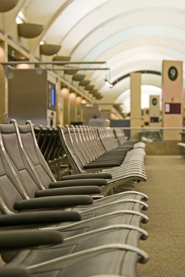 Disposizione dei posti a sedere del terminale di aeroporto immagini stock