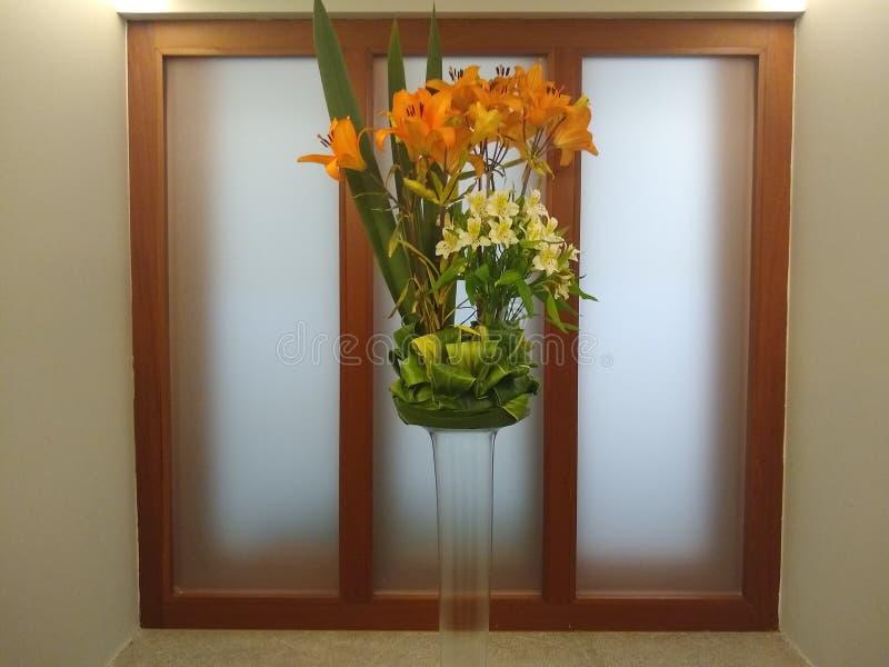 disposizione floreale per la decorazione fotografia stock libera da diritti