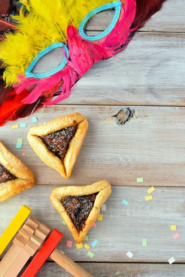 Disposizione piana dell'alimento e degli oggetti ebrei di festa di Purim fotografia stock