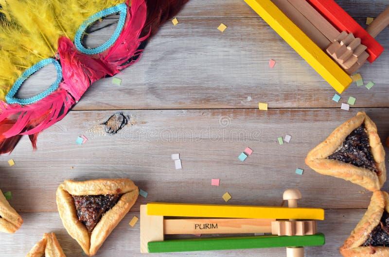 Disposizione piana dell'alimento e degli oggetti ebrei di festa di Purim fotografia stock libera da diritti