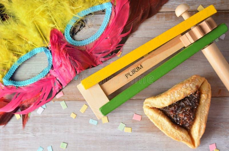Disposizione piana dell'alimento e degli oggetti ebrei di festa di Purim immagine stock libera da diritti