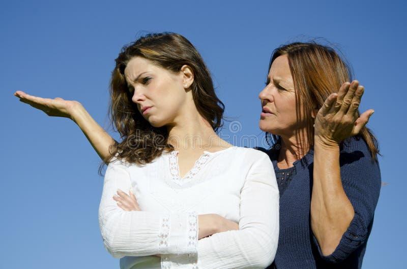 Disputa del argumento, de la madre y de la hija de la familia imagen de archivo libre de regalías