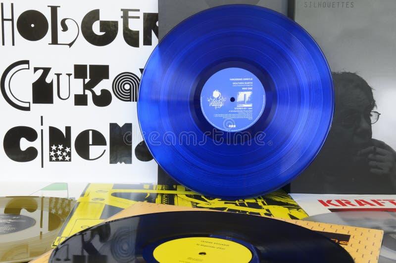 Disque vinyle bleu images stock