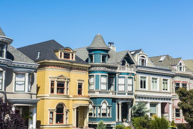 Distelfalterhäuser von San Francisco lizenzfreies stockfoto