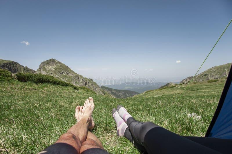 Distenda nelle montagne fotografia stock