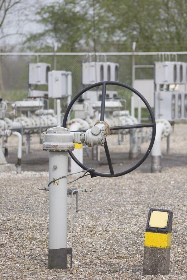 Download Distibution de gaz image stock. Image du essence, ouvrier - 736523