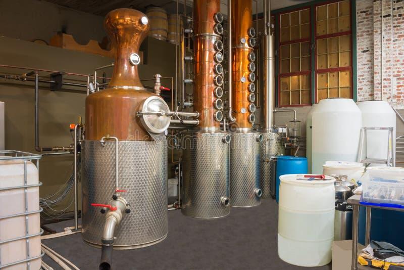 Distilleria di microbirrificio ancora immagine stock libera da diritti