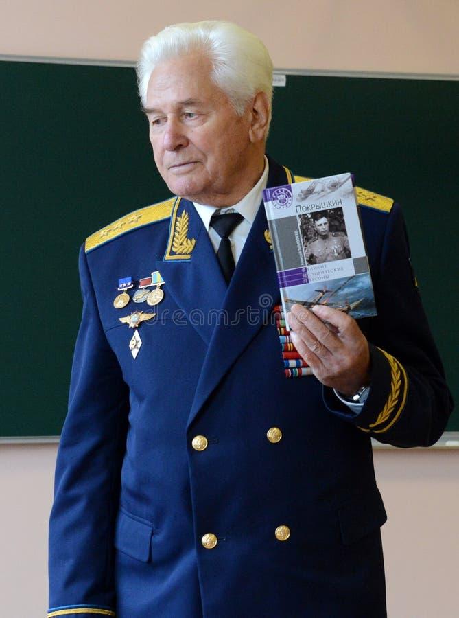 Distingerad sovjetisk militärpilot, Överste-allmänna Nikolai Moskvitelev arkivfoto