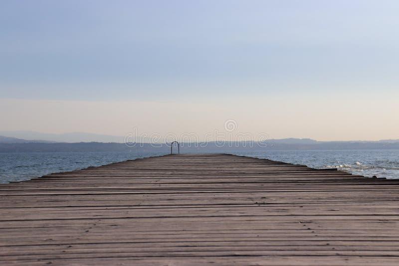 Distinta vista en el lago foto de archivo libre de regalías