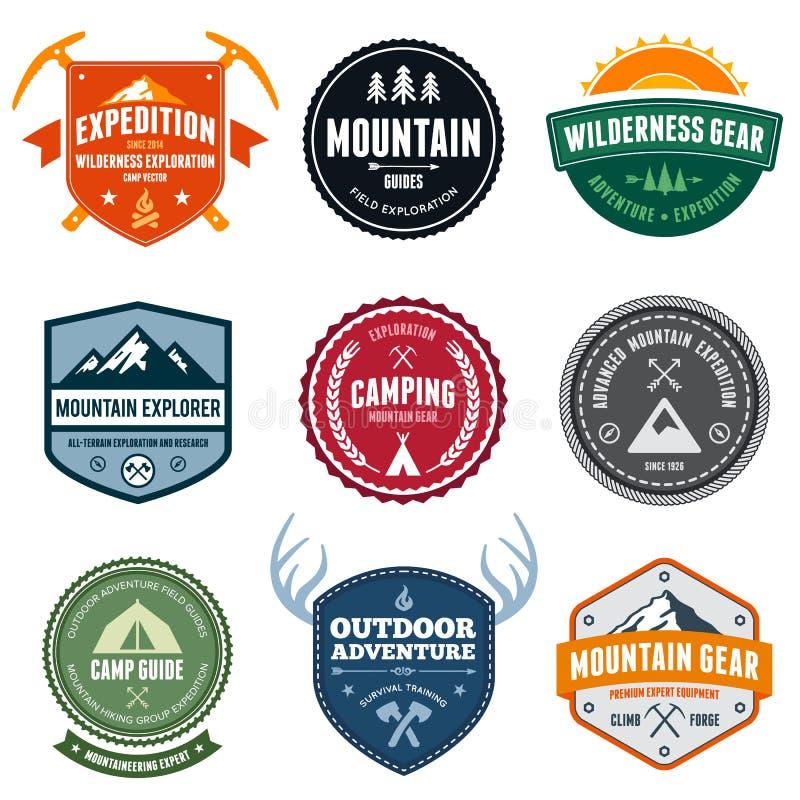 Distintivi della montagna illustrazione di stock