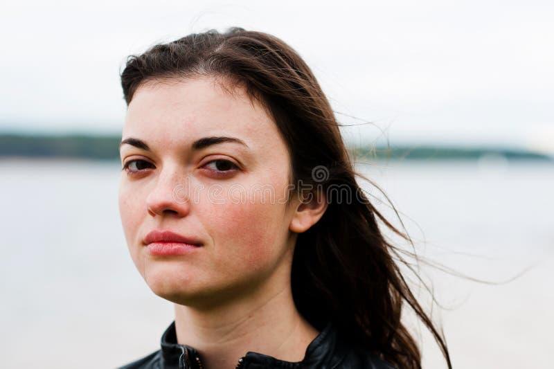 Distraught kvinna royaltyfri fotografi