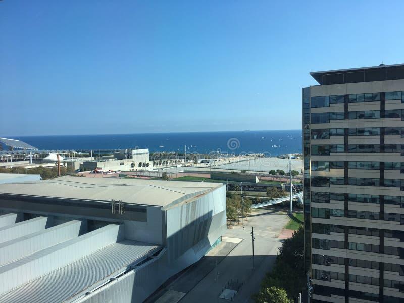Distretto aziendale del lungonmare 22@ dell'orizzonte di Barcellona immagini stock libere da diritti