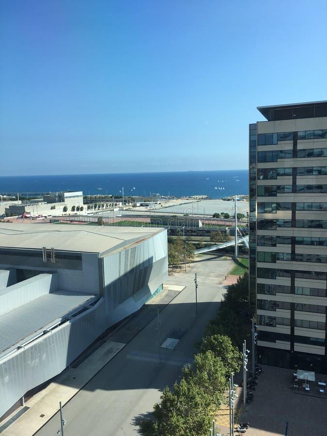 Distretto aziendale del lungonmare 22@ dell'orizzonte di Barcellona fotografie stock libere da diritti
