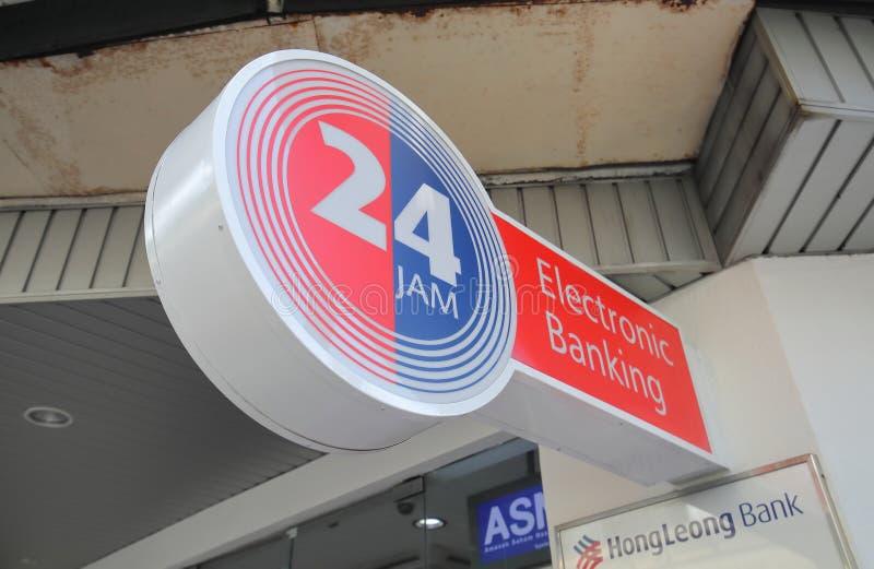 24 distribuidores de dinheiro Kuala Lumpur Malaysia do ATM da hora fotografia de stock royalty free