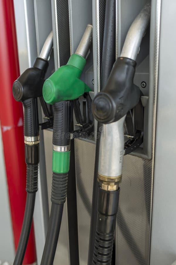 Distributeur d'essence et d'huile d'essence photos stock