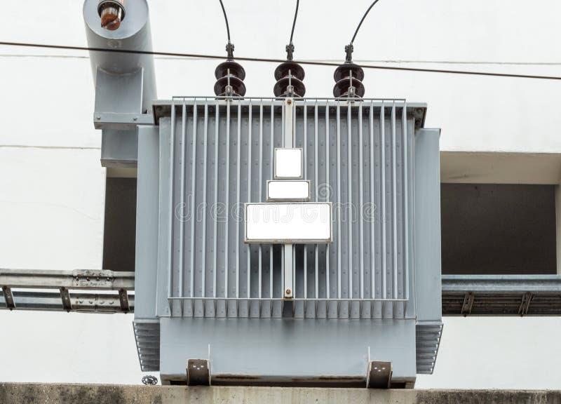 Distributie elektrotransformator stock foto