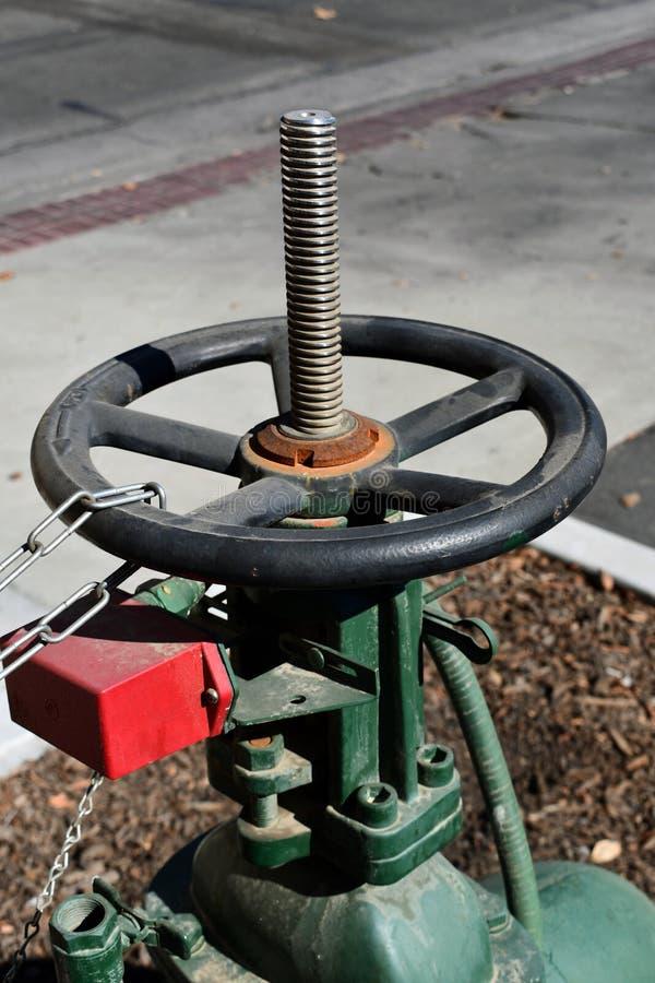 Distribution principale de canalisation de valve de valve de contrôle de contrôle principal de l'eau image libre de droits