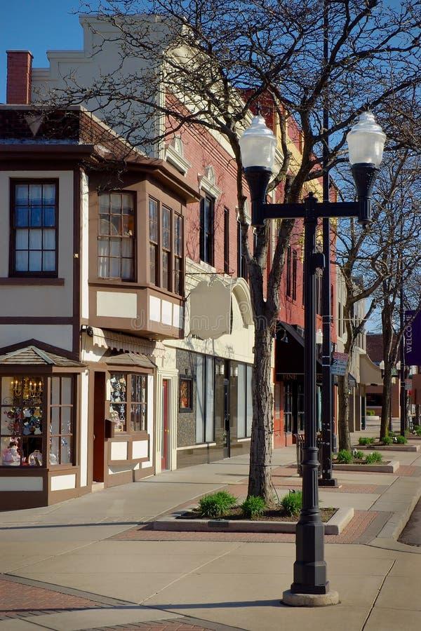 Districto de las compras de la pequeña ciudad fotografía de archivo libre de regalías