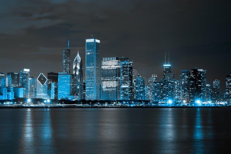 Districto de las finanzas en la noche fotos de archivo libres de regalías