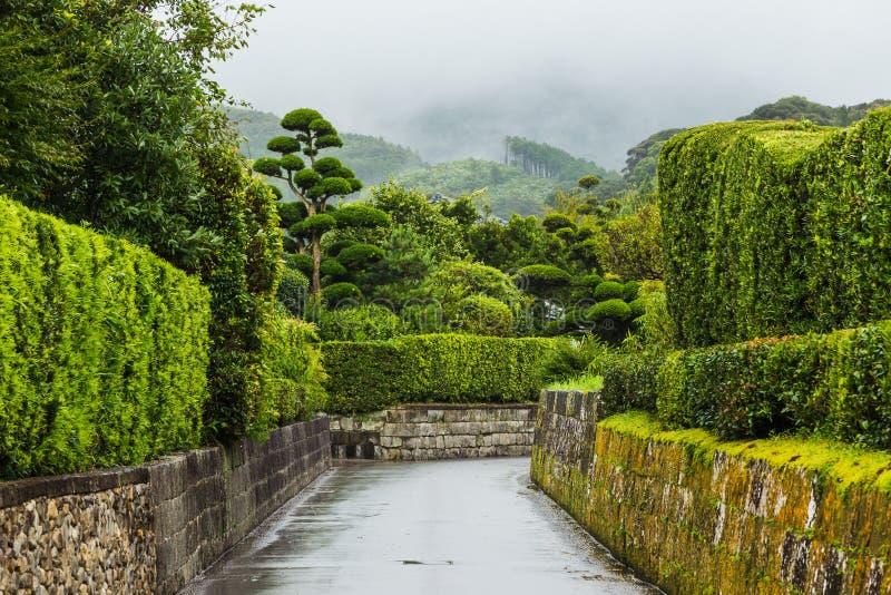 Distrito da conserva do samurai de Chiran em Kagoshima, Kyushu na chuva fotografia de stock royalty free