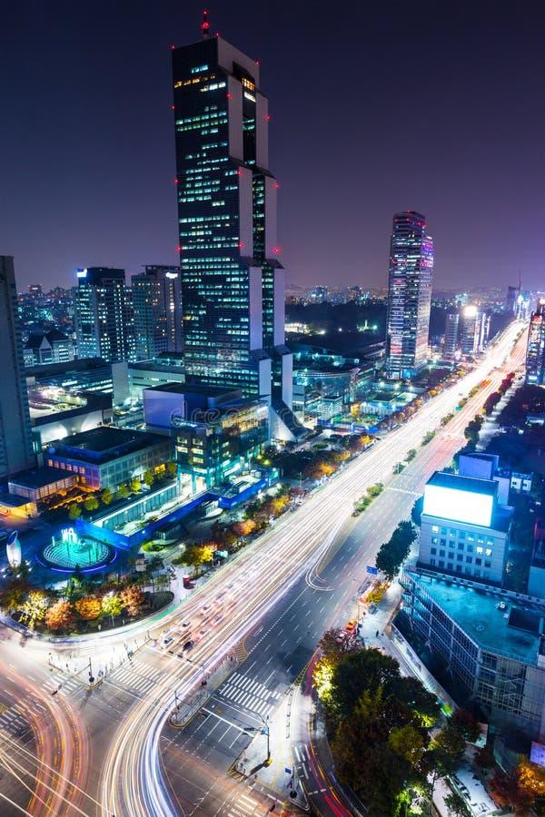 Distrito de Gangnam en la noche imágenes de archivo libres de regalías